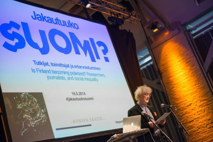 Risto Alapuro avasi suurta mielenkiintoa herättäneen Jakautuuko Suomi? -seminaarin. Kuva: Neea Eloranta